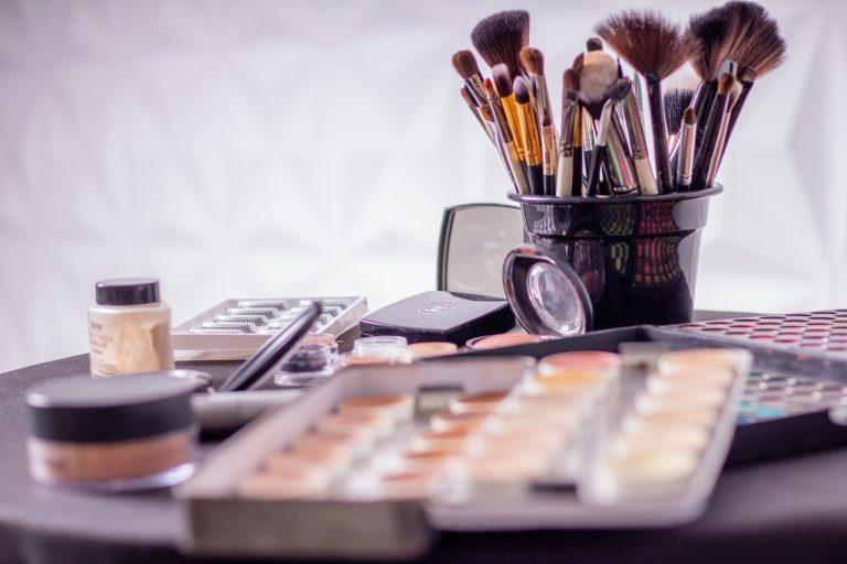 Najważniejsze pędzle do makijażu oczu – sprawdź czy je masz